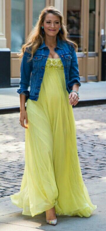vestido largo maxi dress amarillo yellow chaqueta jean Estilo De Blake  Lively 209d5cc1a4f8