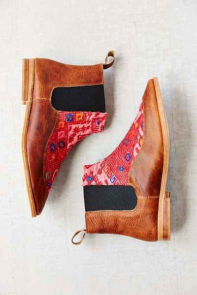 Osborn Nahuala Leather Chelsea Boot - Urban Outfitters