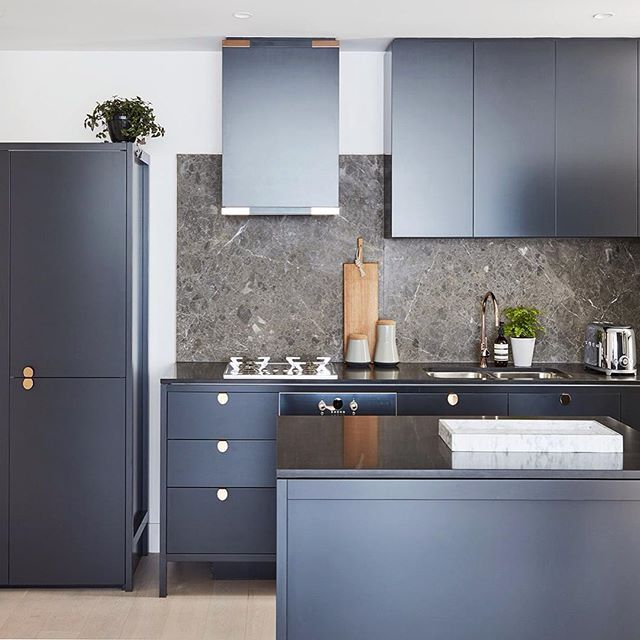 Black And Gold Kitchen: // The FULL Rose-Gold On Black Kitchen From Saturday. YES