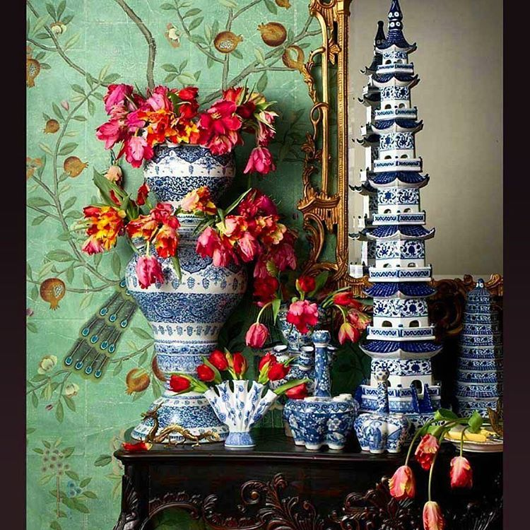 From Town & Country Magazine. Wallpaper by Degournay. @townandcountryuk @degournay #chinoiserie #tulipiere #porcelain #tulips: