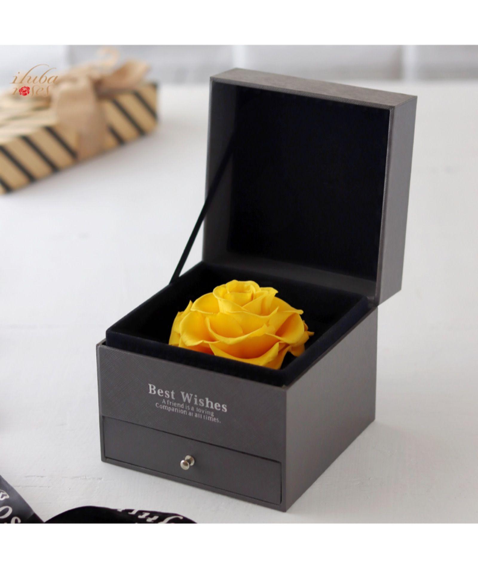 وردة ايلوبا روز اصفر الدائمة داخل صندوق هدية Design All Things Pictures