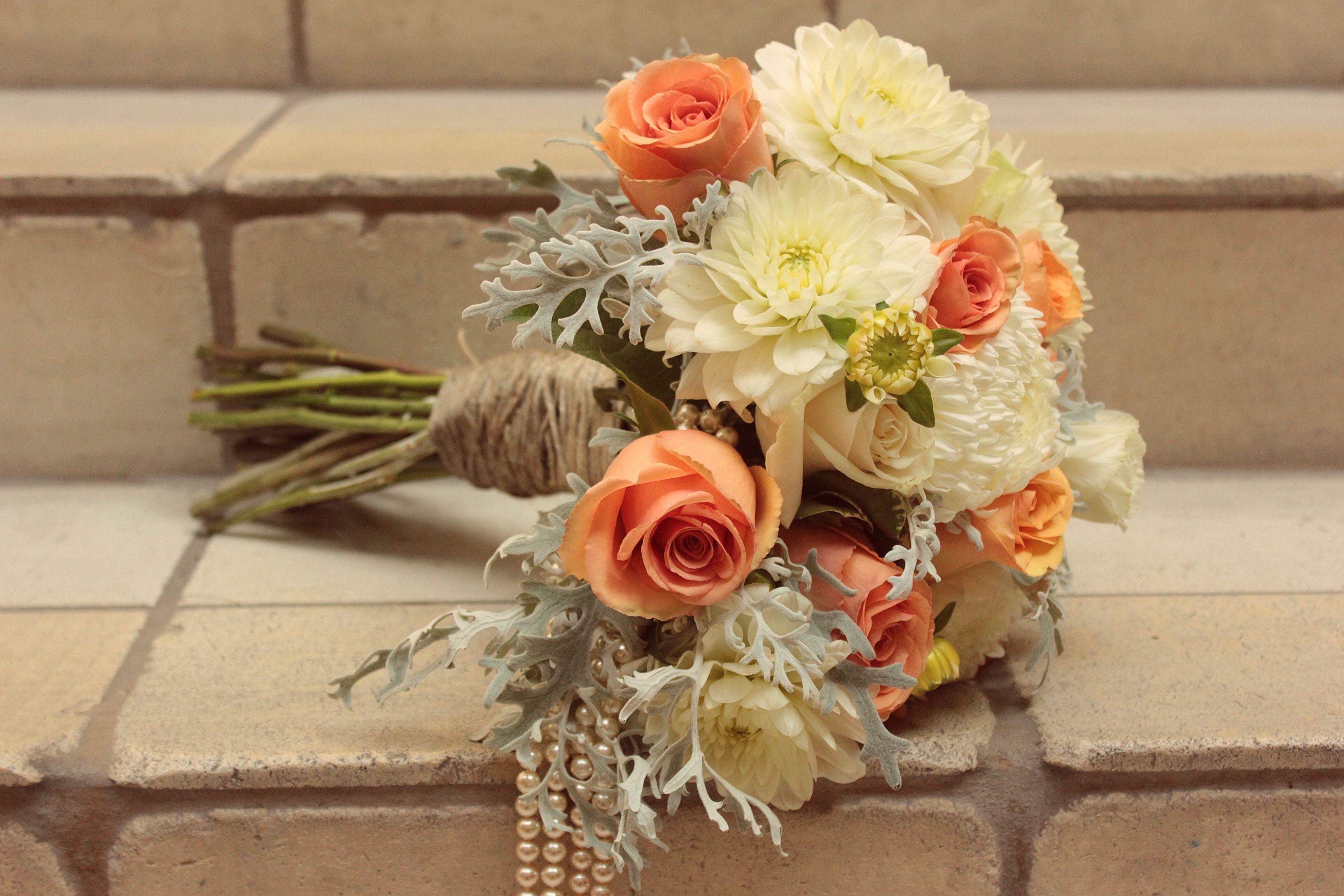 Wedding flowers #wedding #weddingflowers #weddingideas #maggiesottero