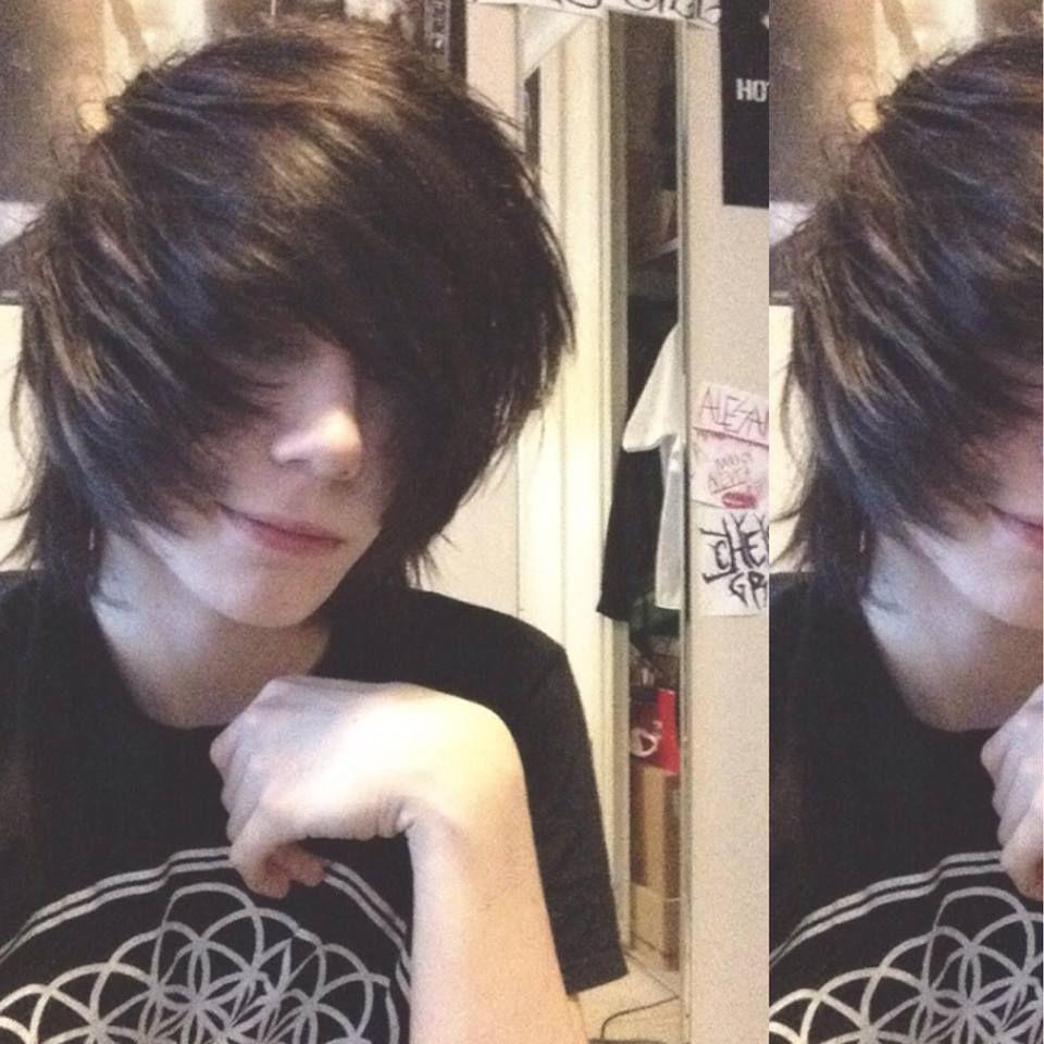 black haired emo boy, cute bmth scene  Cute emo boys, Cute emo