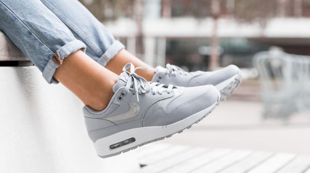newest 38042 0c5cc Nike Air Max 1 SE  Wolf GreyPure Platinum  Womens Trainers  AT0072-001 Nike