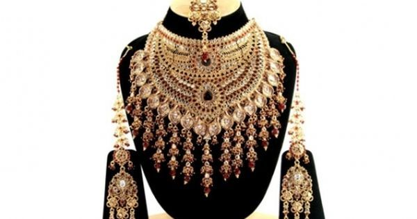 Indian Clothes and Indian Fashion -   https://www.pinterest.com/r/pin/284008320230848005/4766733815989148850/490fdb1923acc9fc4e916f459c42944fbff3a9d029f1f631de71fe51f00b8ff7