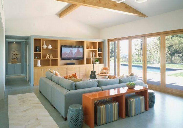 frische Farben fürs Wohnzimmer - pastell-türkis und helles Holz