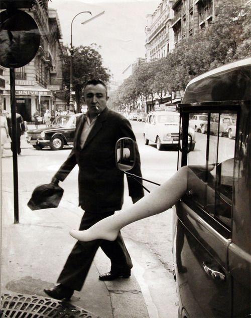 Camionette d'Etalagiste rue d'Alesia, Paris, 1968 Robert Doisneau