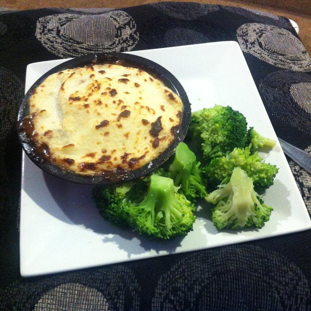 Low carb cottage pie made with cauliflower mash. Yum!#lowcarb #bodytim by maddy28owen
