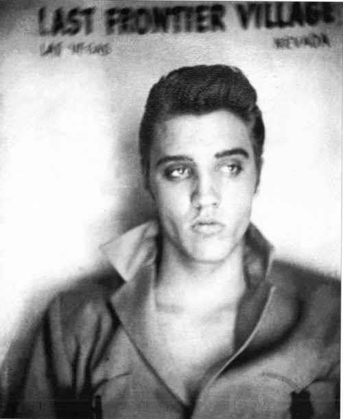 During His Las Vegas Debut He Had A Two Week Engagement From April 23 To May 6 1956 At The New Frontier Hotel Elvis Presley Photos Elvis Presley Young Elvis