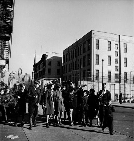 Woody Guthrie: Rare Photos of an American Treasure, 1943