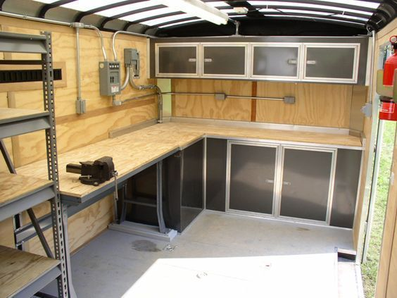 Lots Of Counter Space With A Built In Vise Note Steel