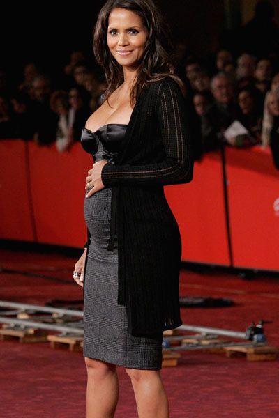 47c2374f2 vestidos de fiesta elegantes de famosas embarazadas 2