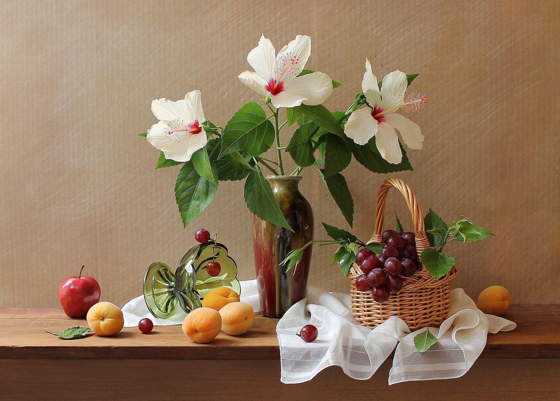 Обои фрукты, натюрморт, кубок, яблоки, цветы. Разное foto 16
