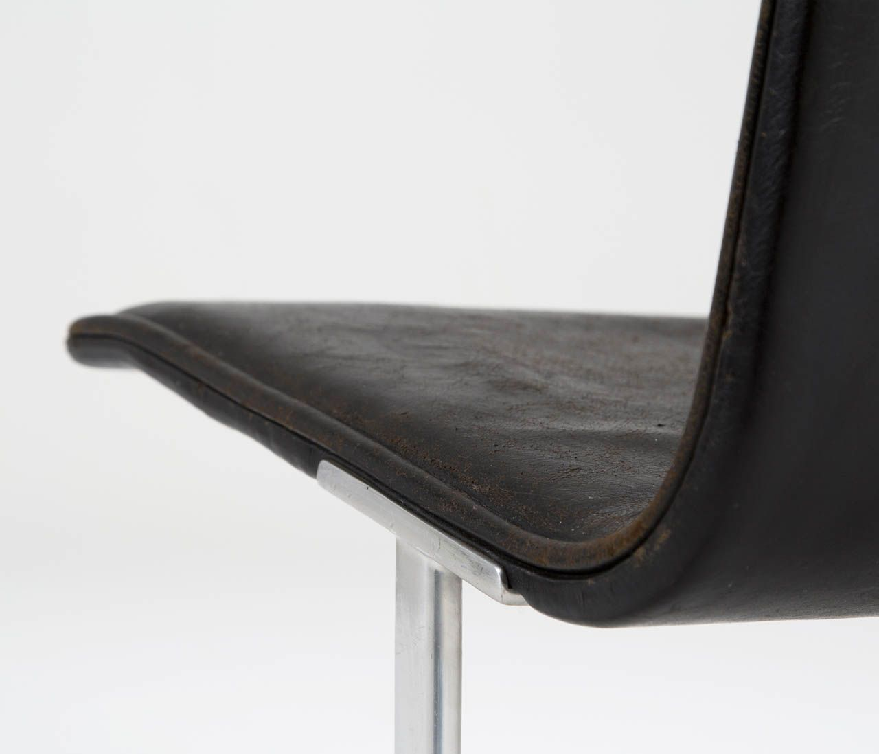 602 \'Easy Chair\' by Dieter Rams in Original Black Leather Upholstery ...