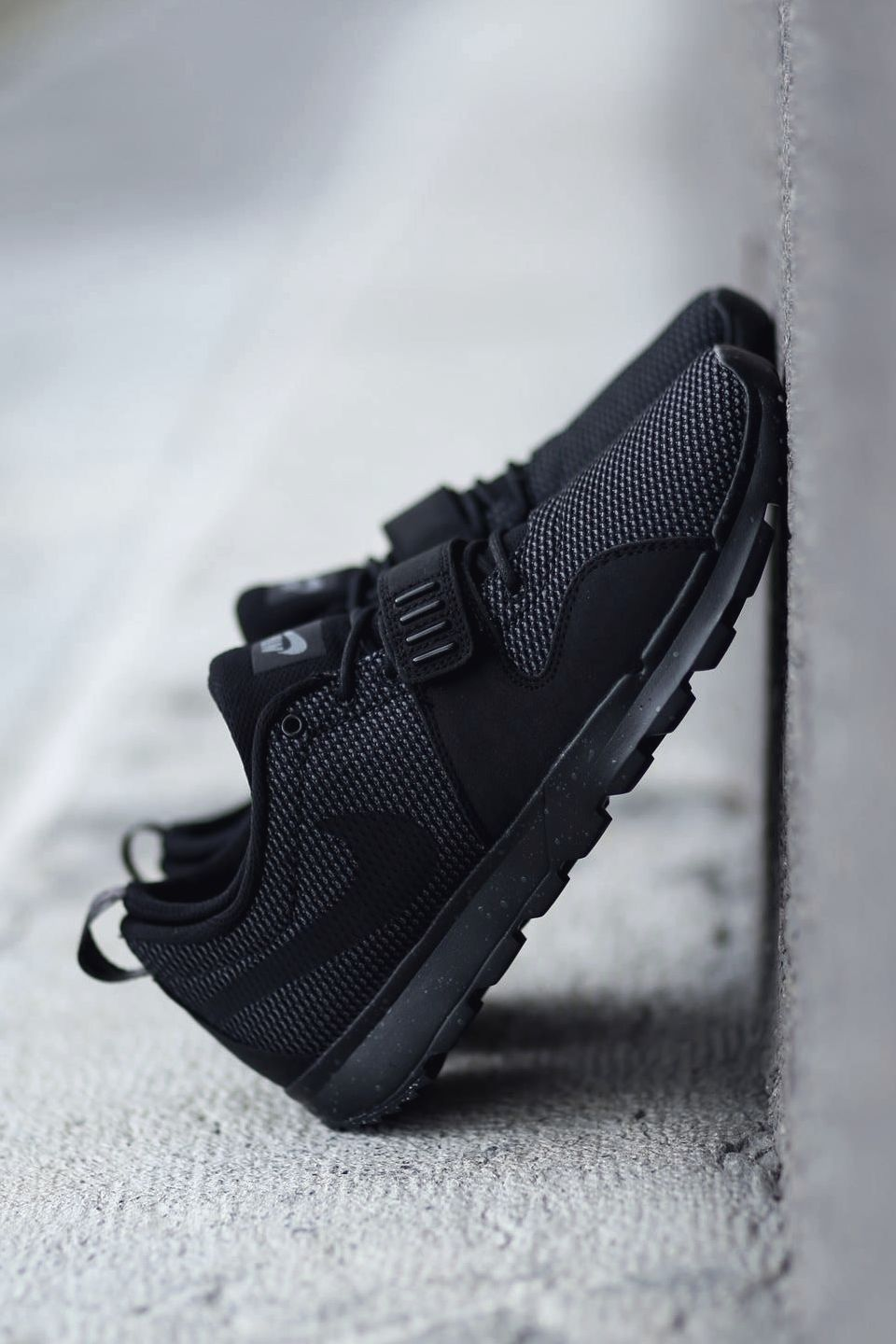 "6b2bbe427447 vistale  ""Triple Black Nike SB Trainerendors"""