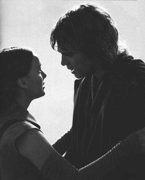 Anakin And Padme From The Side You Can See The Luke Resemblance