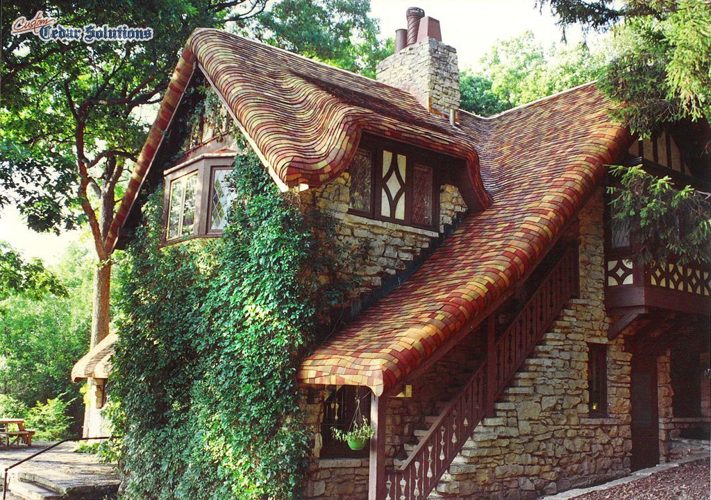 Best Variegated Pre Dipped Cedar Shingles On Cottage Roof 4 640 x 480