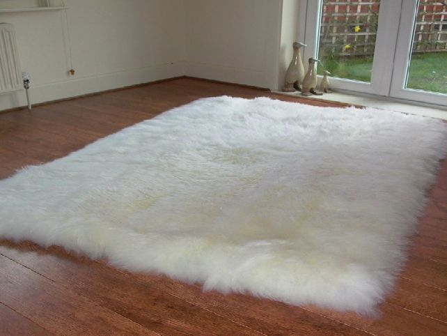 Large Shag Pile Rugs Grey White Google Search White Fluffy Rug Sheepskin Rug Large Sheepskin Rug