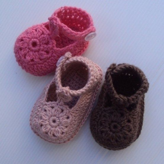 Baby crochet shoes pattern. | Crochet baby | Pinterest | Babyschühchen