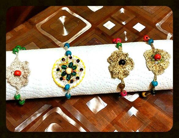 Crochet e perle di legno