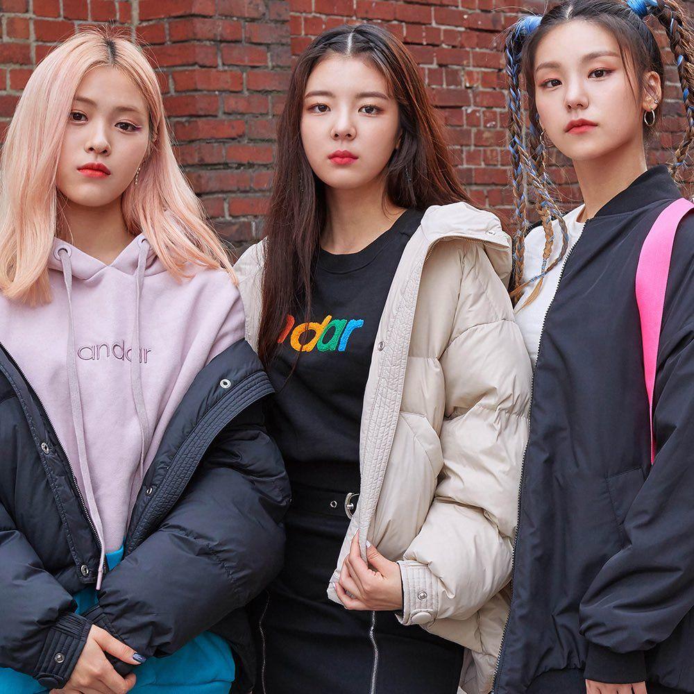Lia Pics On Twitter Itzy Kpop Girls Fashion