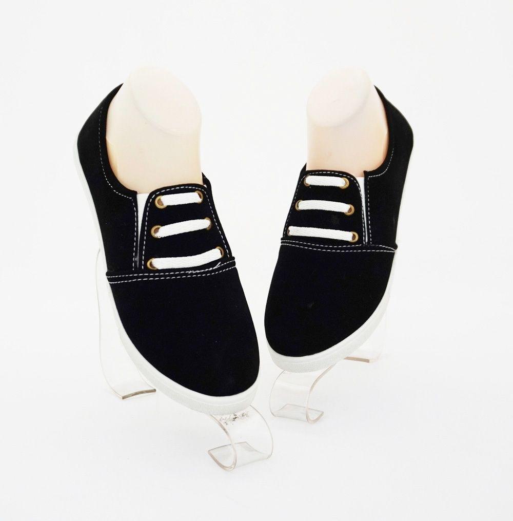 Sepatu Bertali Casual Stylish Warna Hitam Bahan Beludru Dengan