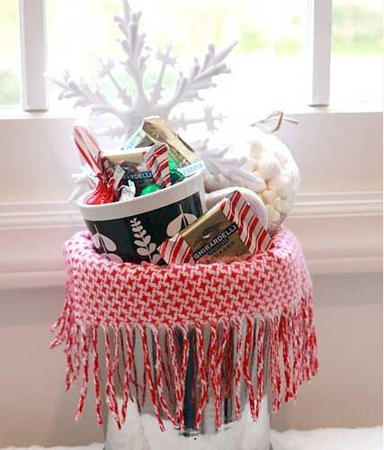 Christmas Gift Baskets For Families: Warm & Cozy Chocolate Gift Basket {DIY Gift Link Party