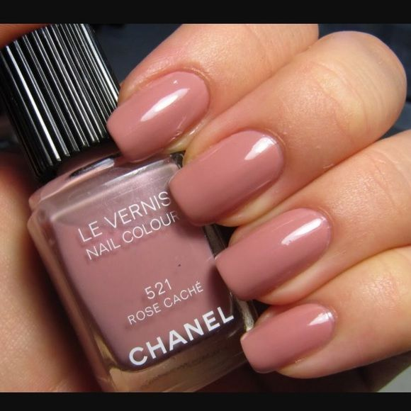 LIMITED EDITION CHANEL nail polish in rose cache Chanel Rose Cache ...