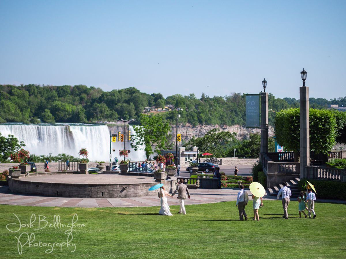 Destination Wedding At Niagara Falls And Oakes Garden Theatre Parks Weddings Has The Most Beautiful Venues Niagaraparkswed