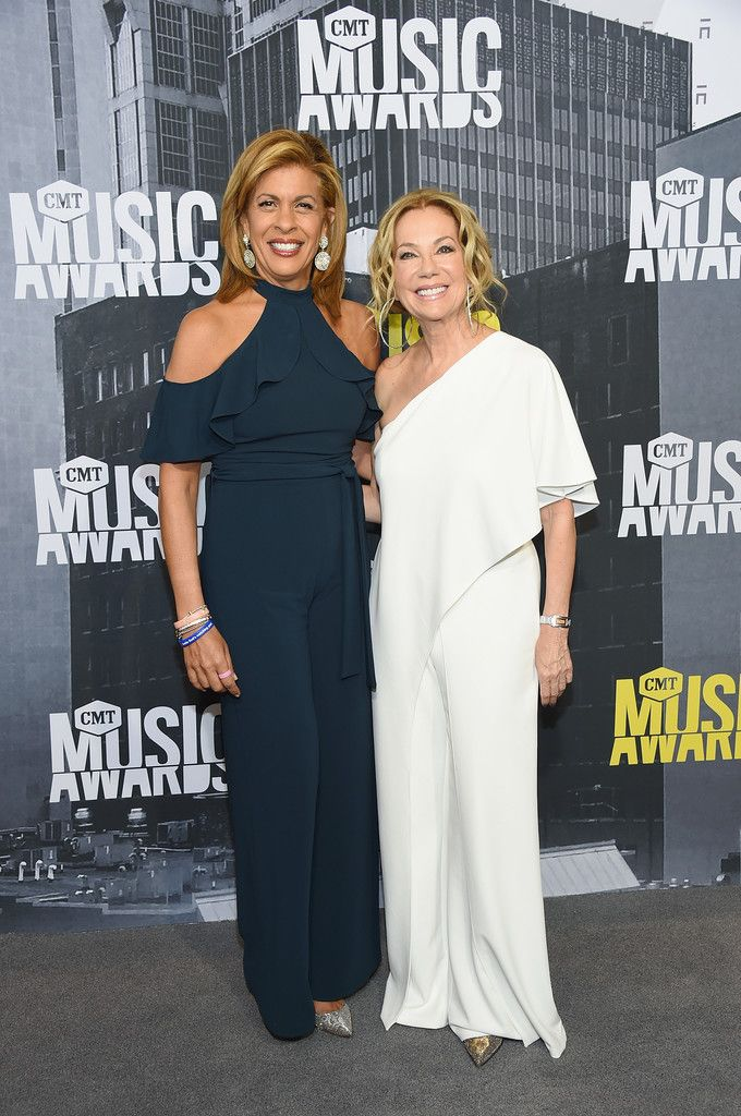 Hoda Kotb And Kathie Lee Gifford Cute Celebrities Celebrity News Gossip Celebrity News