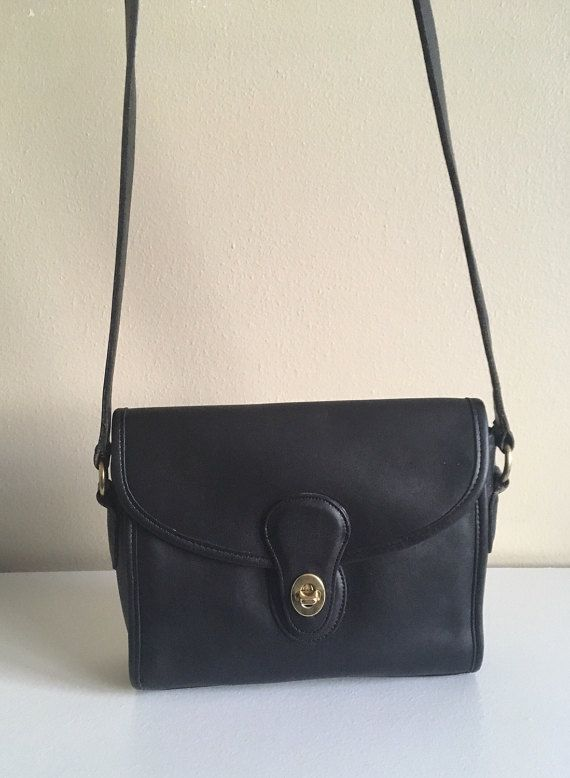26147dc70c Vintage Classic Coach Devon Bag 9908 Black Leather Made in USA ...