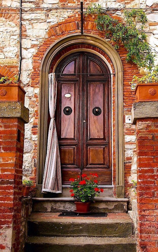 вам картинки двери в домах италии наши дни