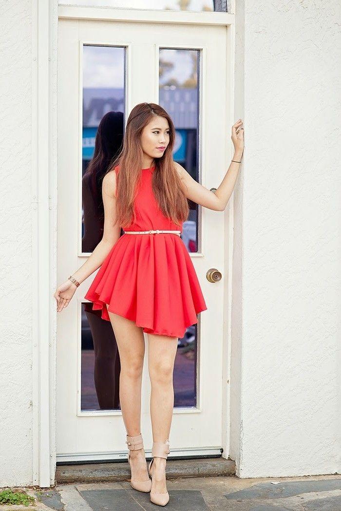 Rotes kleid lila schuhe