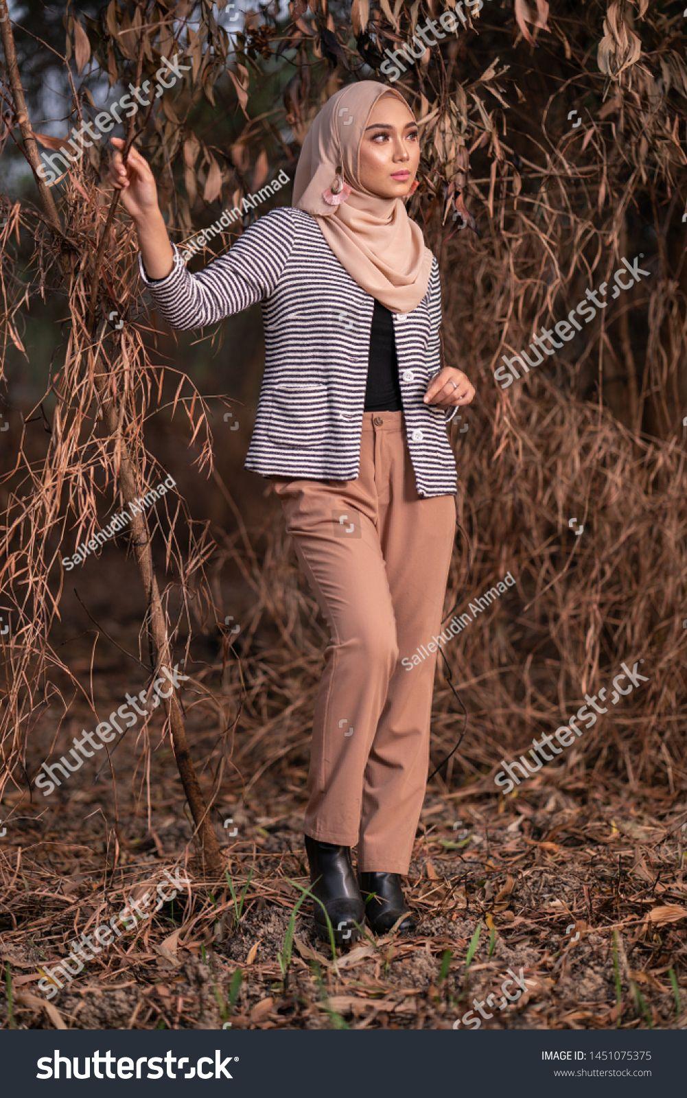 Beautiful Young Model In Fashionable Hijab Style Posing In Burnt Bush Area Stylish Muslim Female Hijab Fashion Lifesty In 2020 Fashion Fashion Lifestyle Hijab Fashion