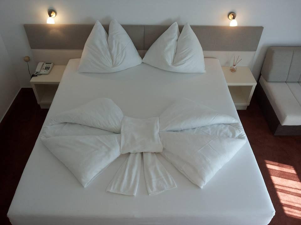 kreativ das bett machen eine inspiration von unserem fan ideen und tipps. Black Bedroom Furniture Sets. Home Design Ideas