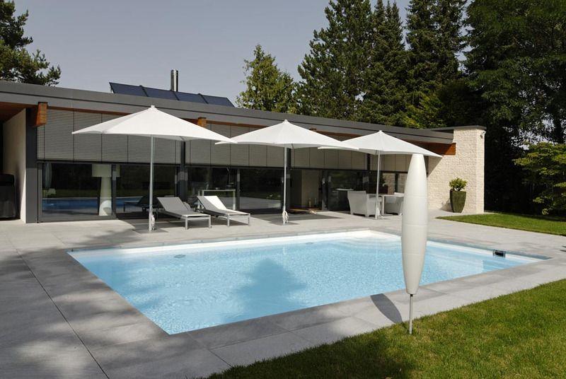 Becken Mit Stahlwand Im Wunderschonen Garten Schwimmbad Bauen