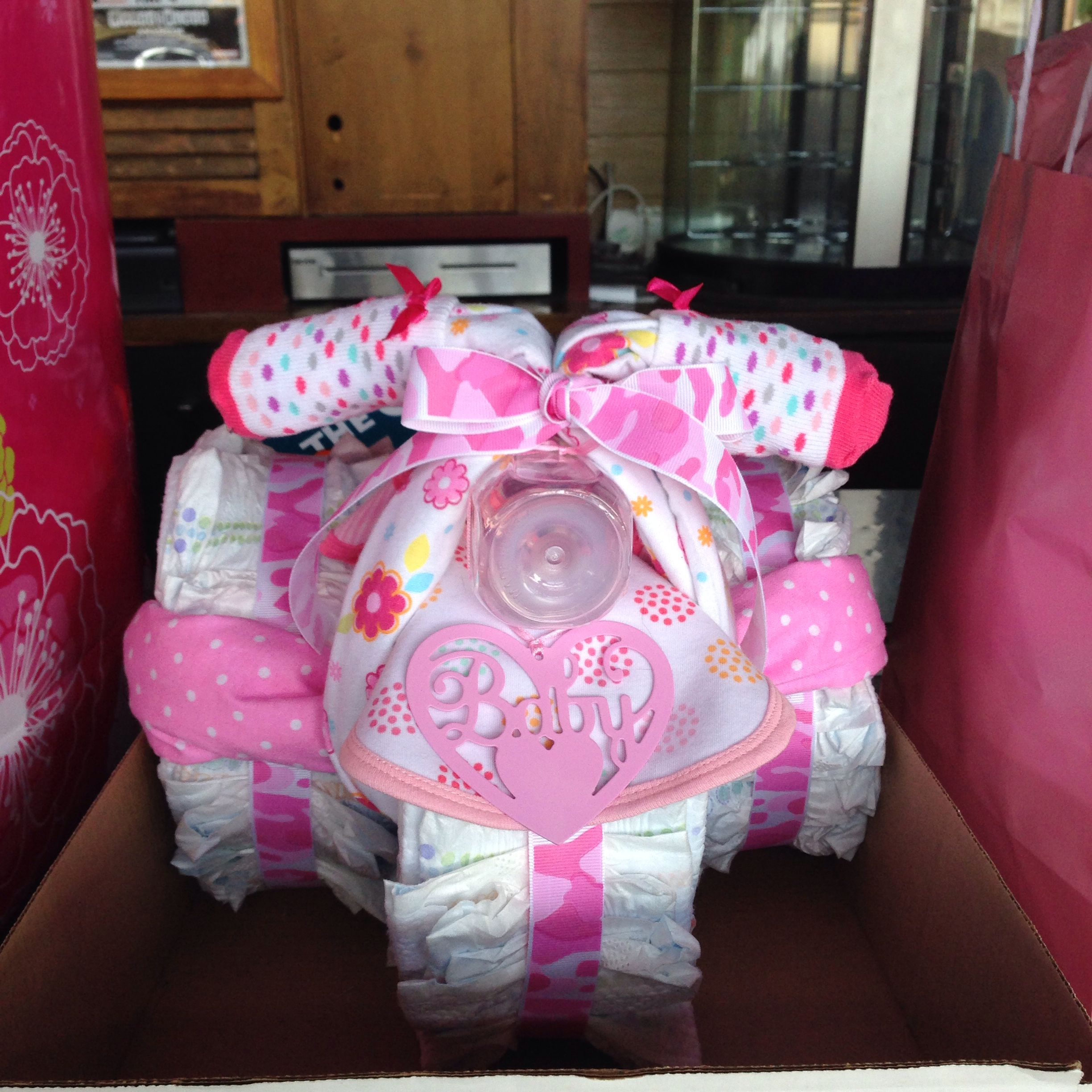I made the diaper tricycle !!! It was a hot and so cute!