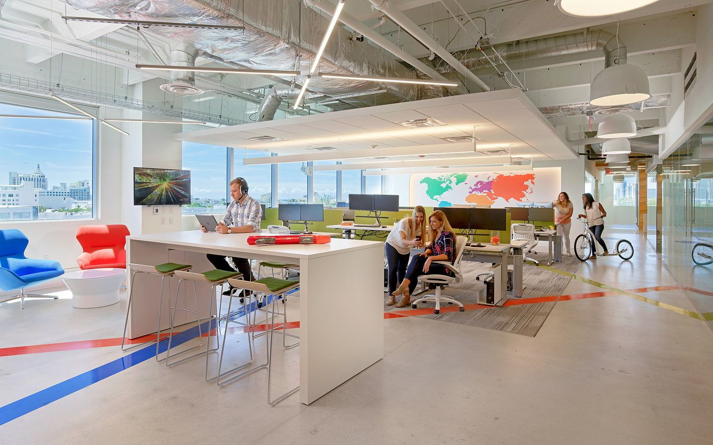 Stantec Designs Wix's Office and Technical Call Center in