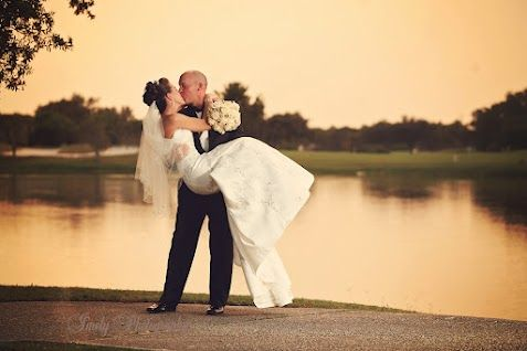 What an awesome photo from a wedding at University Park in Sarasota, Florida! Check out our country club venue, you don't have to be a member to get married here! #UniversityParkWeddings http://www.universitypark-fl.com/weddings/ Photo by Imely Photography