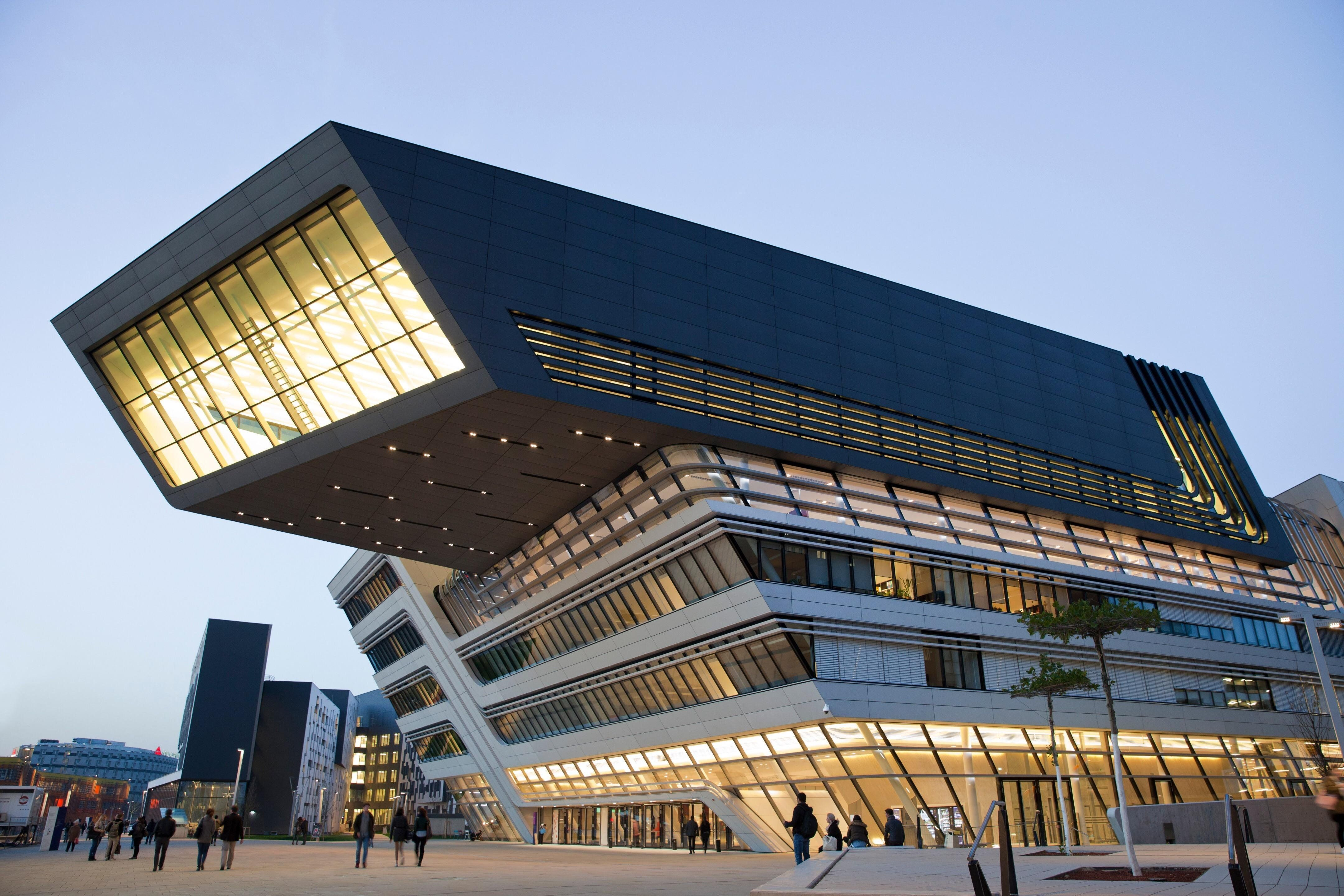 The Library And Learning Center Of The Vienna University Of