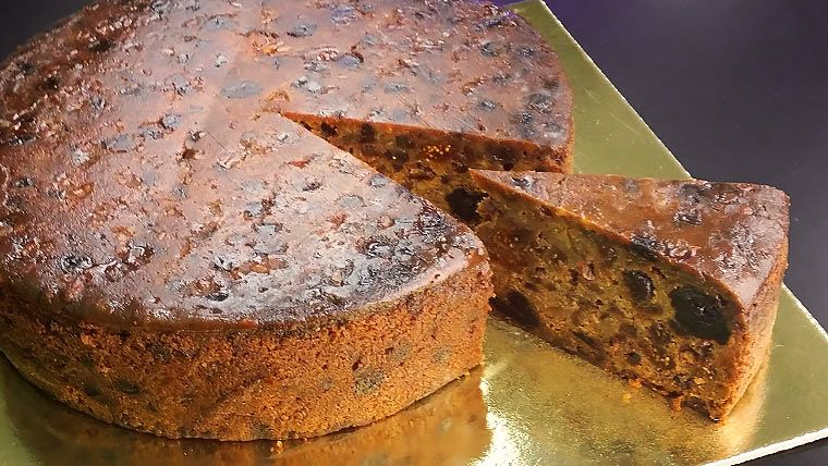 """If we talk about """"traditional"""" cakes, Rich Fruit Cake would definitely be in the conversation. The more fruits there are in the recipe, the more rich it will be, and the more rich it is, then the more traditional. The amount of fruits in this recipe makes the cake able to be preserved for longer …"""