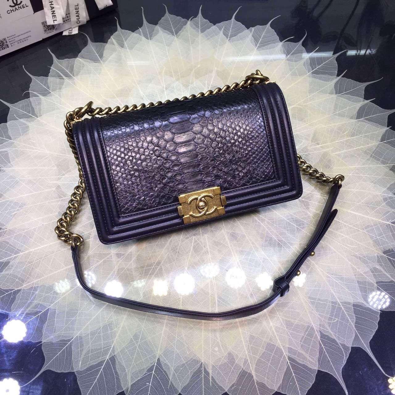 Fashion style Chanel Replica boy chevron flap bag for woman