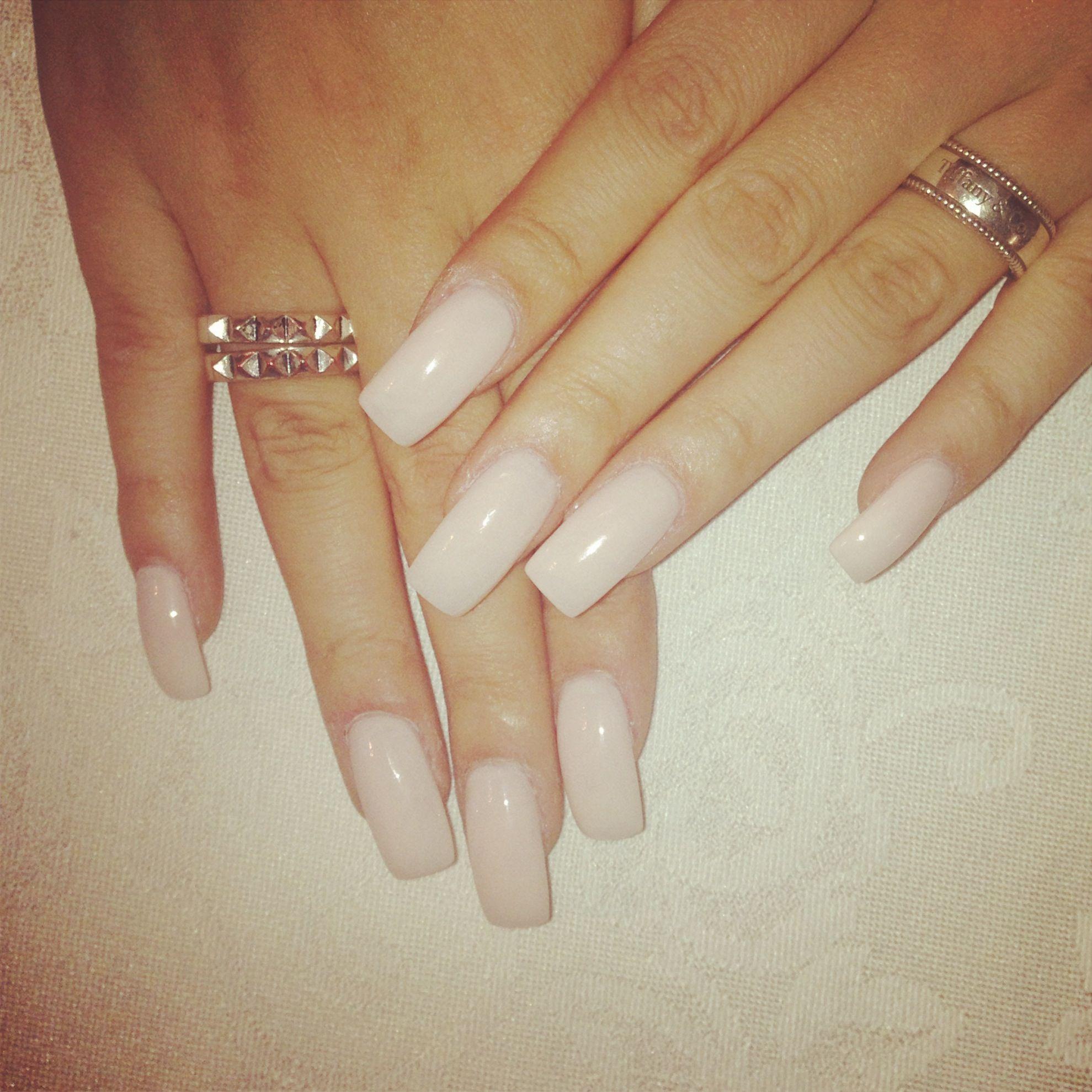Khloe Kardashian & Kylie Jenner inspired nails. #kardashian #jenner ...