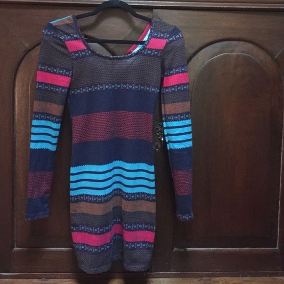 Derek Heart stretch knit dress Zipper in back. Cute pattern! Derek Heart Dresses Midi