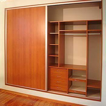 excelente distribuci n para un closet peque o armarios