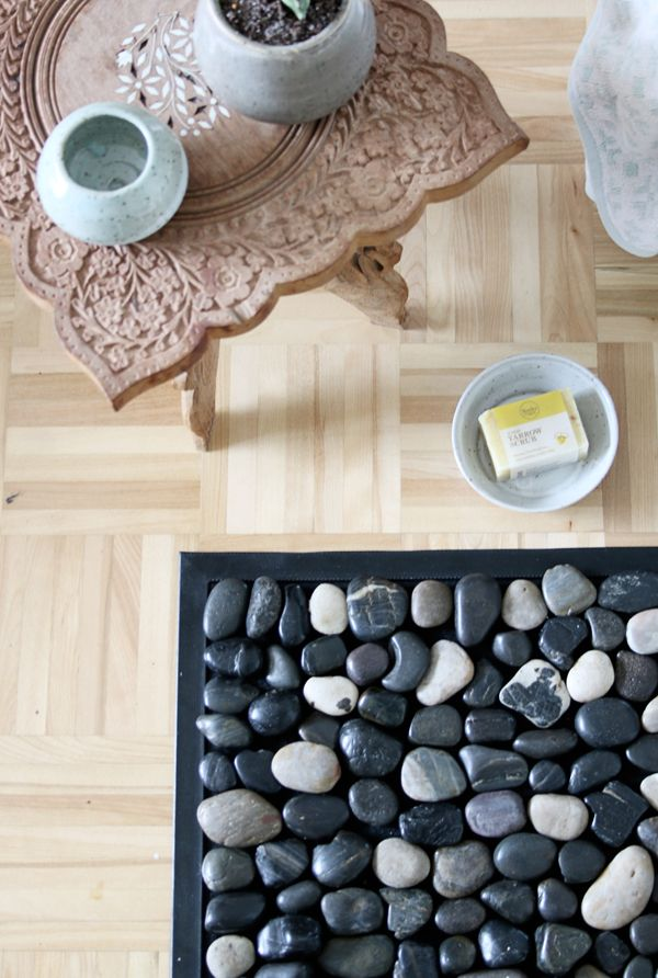 How to: Make Your Own DIY Spa-Inspired Pebble Bath Mat