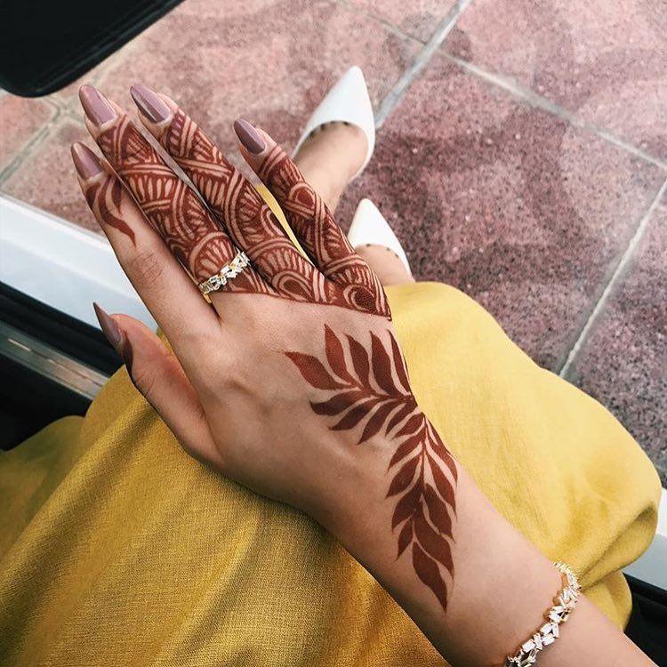 للي يحبون النقش الناعم والخفيف حناء حنتي حنه حناي حنايات حنايه نقش نقوش نقوش حنا نقش حنا Tribal Henna Designs Henna Designs Modern Henna Designs