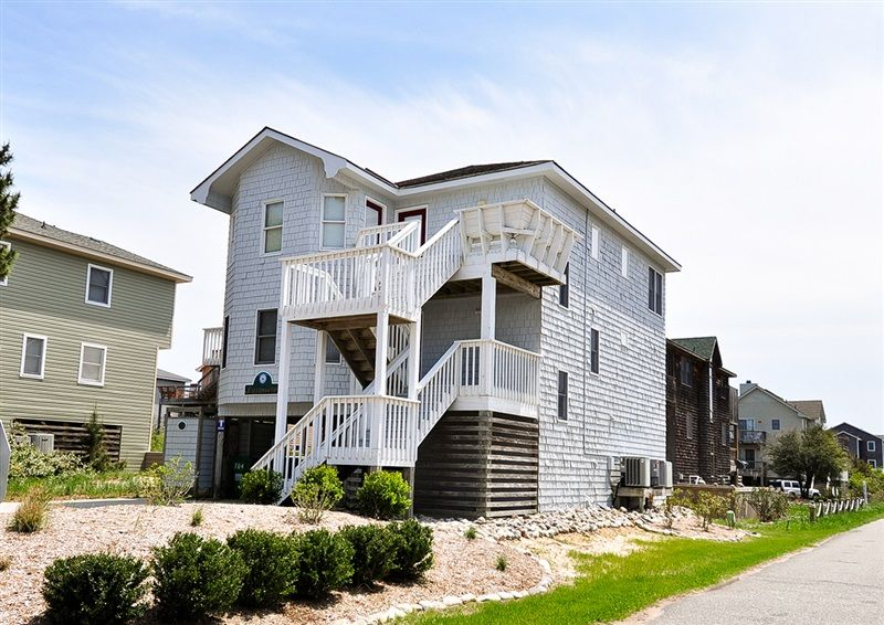 Kaleidoscope Oceanside Home In Ocean Sands Q Corolla Beach Cottage Exterior Outer Banks Vacation Vacation Home