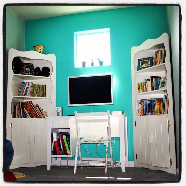 sherwin williams synergy. teal accent wall. makes me happy. sw6938