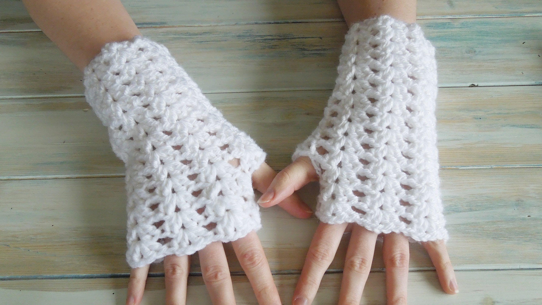 Happy Berry Crochet / Crochet Iris Stitch / Fingerless Gloves ...